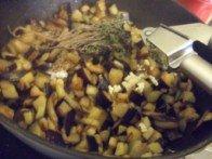 20160417 - Bucatini aubergine noire - ajouter ail & co